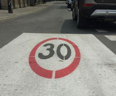 30 km/h.  Kolejne polskie miasta zapowiadają  takie ograniczenie