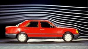 30 lat Mercedesa 124