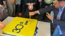 30 lat RMF FM. Dziennikarze radia zdmuchnęli urodzinową świeczkę
