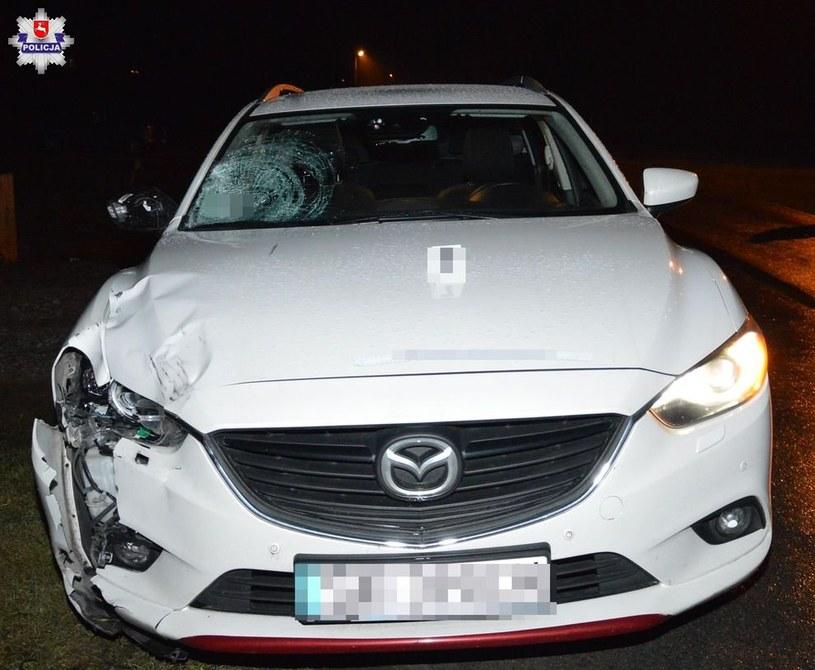 30-letni kierowca mazdy potrącił idącą poboczem lewej strony jezdni 15-latkę /Policja