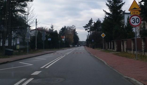 30 progów zwalniających na 2,5-kilometrowej ulicy... /