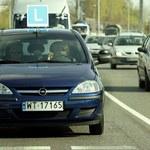 30 tys. kary za jazdę bez świateł? Jest stanowisko Ministerstwa Infrastruktury