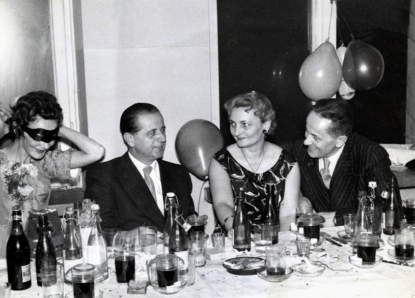 31.12.1957 Bal sylwestrowy, na zdjęciu Zofia i Kazimierz Moczarscy /FOTONOVA /East News