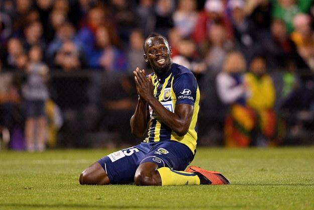 32-letni Bolt zakończył karierę lekkoatletyczną po mistrzostwach świata w Londynie w ubiegłym roku. Wcześniej wielokrotnie zapowiadał, że chciałby kiedyś spróbować swoich sił w profesjonalnym futbolu. /Dan Himbrechts /PAP/EPA