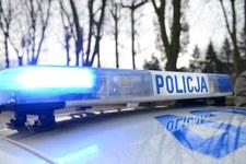 000939V0G1RRJHQD-C307 34-latek uciekał przed policją z trójką małych dzieci w aucie