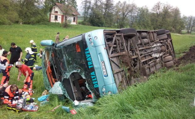 34 osoby ranne w wypadku polskiego autokaru na Słowacji  - zdjęcia z Gorącej Linii