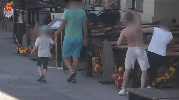 35-latek zaatakował kobietę, gdy spacerowała z rodziną /Policja Warszawa /Archiwum