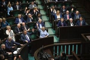 """356 posłów za """"piątką dla zwierząt"""". Szczegóły zmian"""