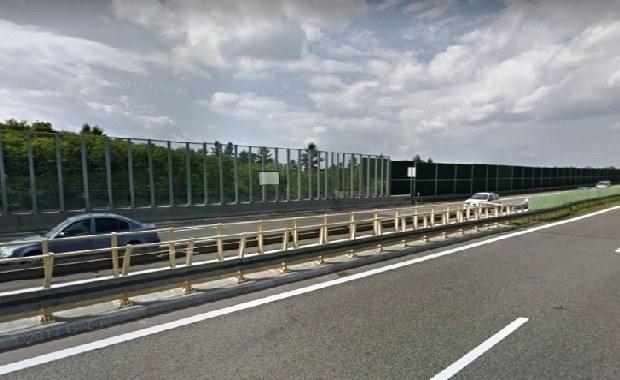 36-latek spadł w nocy z wiaduktu na S52 w Śląskiem