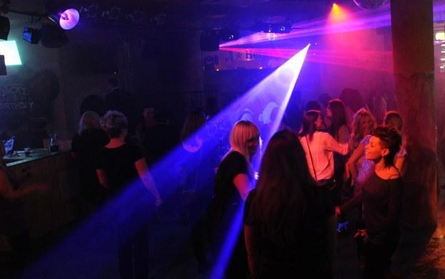 Gdynia: 36 osób zarażonych koronawirusem po imprezie na katamaranie