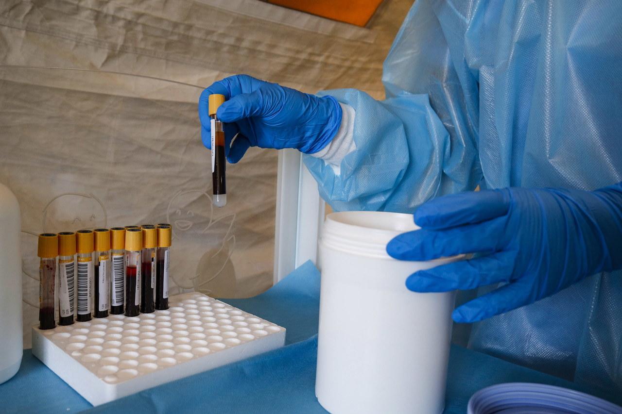 380 nowych przypadków zakażenia koronawirusem w Polsce. Zmarło 10 osób  [NOWE DANE]