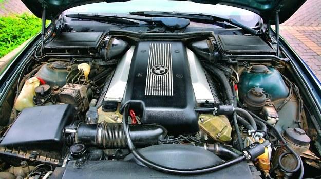 4.4 V8 /Motor