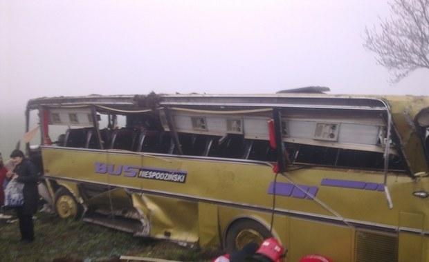 40 osób w szpitalu po wypadku autobusu - zobacz zdjęcia z Gorącej Linii RMF FM
