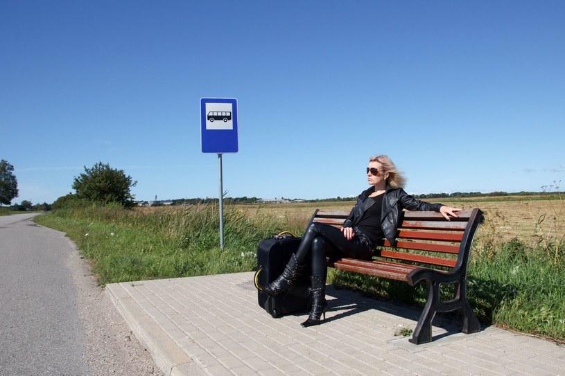 40 proc. Polaków myśli o wyjeździe z kraju /123RF/PICSEL