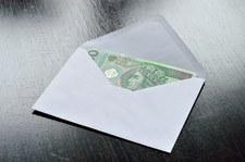 400 zł dodatku do pensji dla pracowników socjalnych