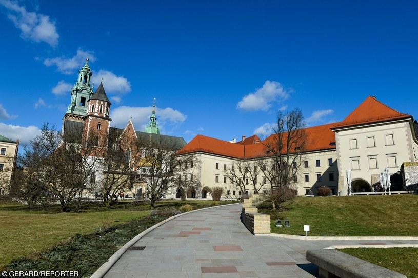 420 lat temu stolicę przeniesiono z Krakowa (na zdjęciu Wawel) do Warszawy /GERARD/REPORTER /East News