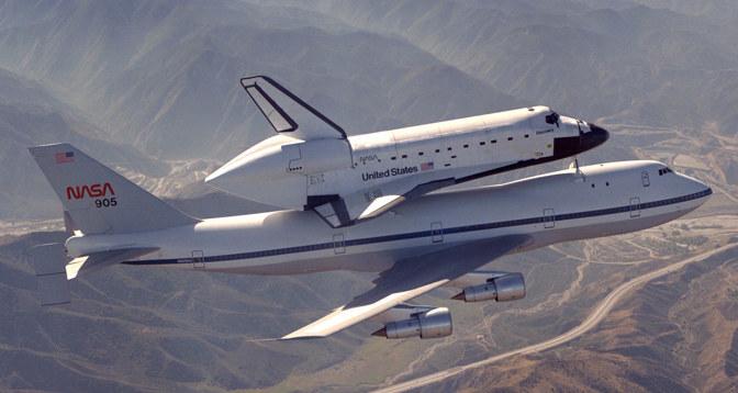474 SCA z promem na grzbiecie /NASA /INTERIA.PL/materiały prasowe