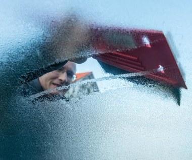 5 domowych sposobów na odmrażanie szyb w samochodzie