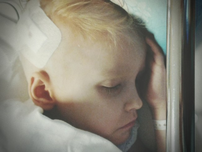 5-letnia Martynka walczy ze śmiertelną chorobą /