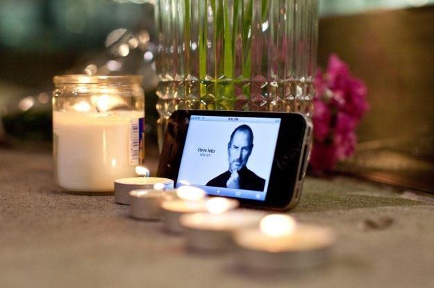 5 października 2012 r. przypada pierwsza rocznica śmierci Steve Jobsa /AFP