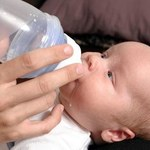 5 rad: jak przyzwyczaić dziecko do butelki