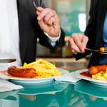 5 rzeczy, których nie należy robić po jedzeniu