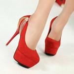5 sposobów, aby szpilki nie uszkodziły twoich stóp
