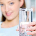 5 sposobów jak pić więcej wody