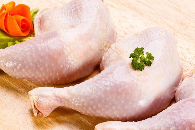 5 ton drobiu zarażonego salmonellą trafiło ze Słowacji na Warmię i Mazury /©123RF/PICSEL