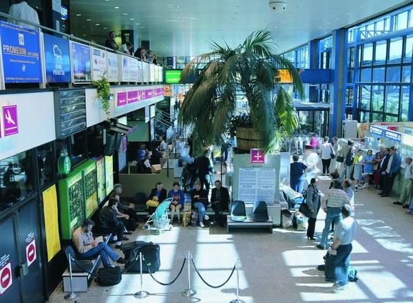 Terminal międzynarodowy przed przebudową - lata 90. Archiwum Kraków Airport