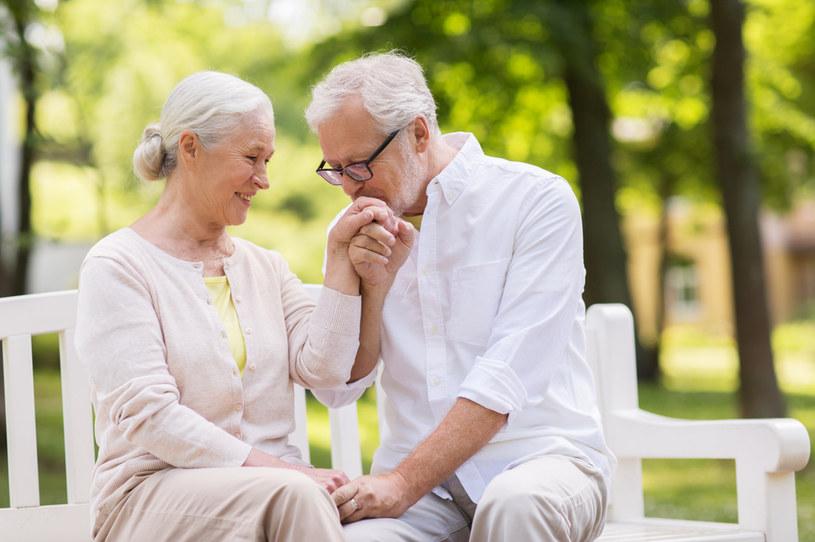 50 wspólnych lat to coś, co nie zdarza się często. Niewiele par może cieszyć się tak długim stażem związku /123RF/PICSEL