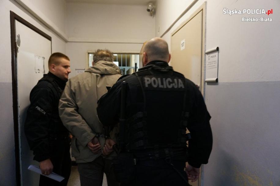 51-letni mężczyzna nie spodziewał się, że śledczy wpadną na jego trop /Policja