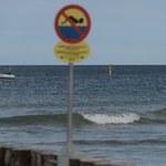52-latek wszedł do morza na niestrzeżonej plaży. Trwają jego poszukiwania