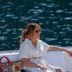 52-letnia Jennifer Lopez zniewala. Pokazuje ciało na jachcie