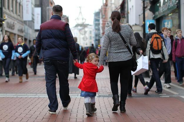 530 euro to wsparcie dla dzieci w Polsce /AFP