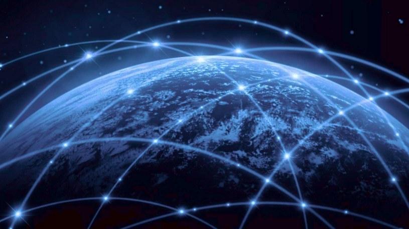 560 Mb/s. Oto nowy rekord prędkości kosmicznego internetu Starlink w Europie /Geekweek