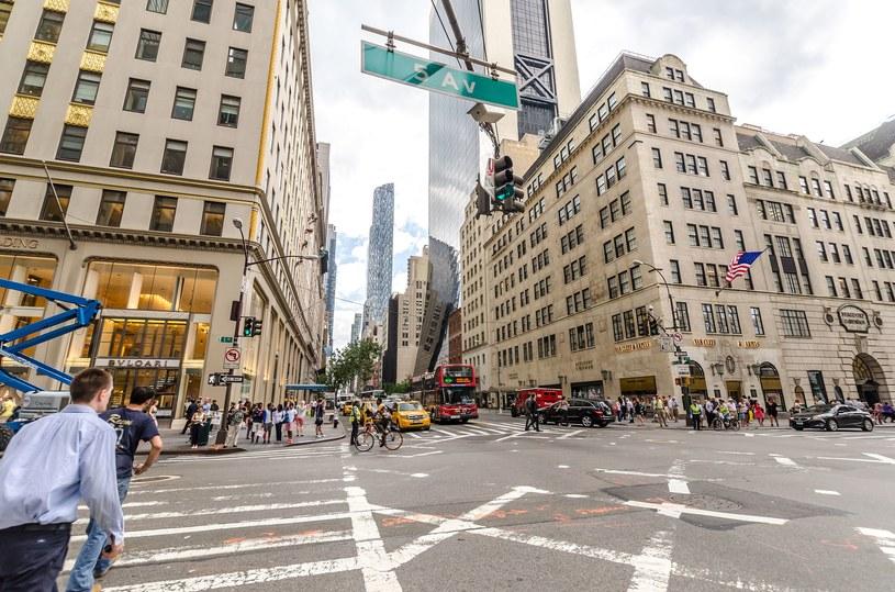 5th Avenue to główna ulica centrum nowojorskiego Manhattanu