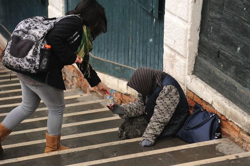 6,7 proc. społeczeństwa żyje w skrajnej biedzie /123RF/PICSEL