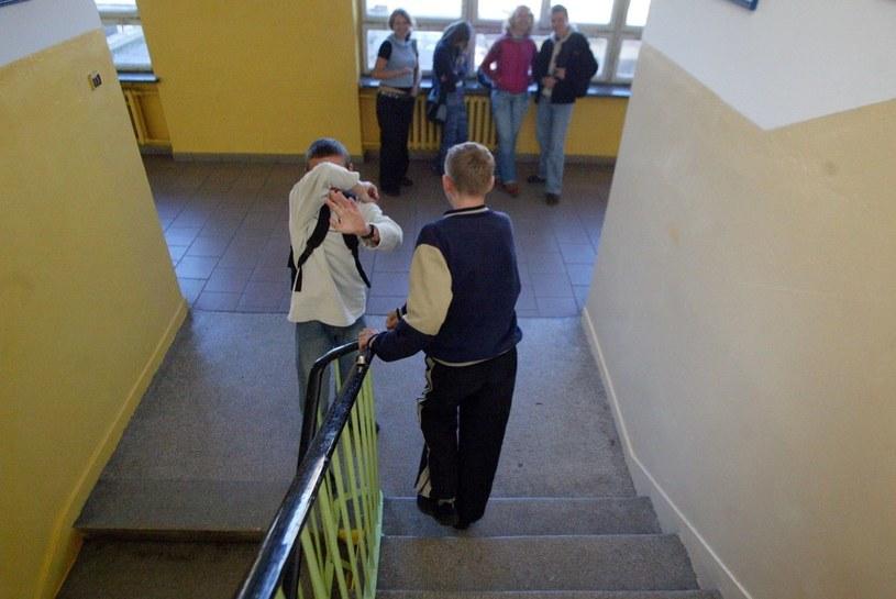 6-latki będą się mijać na korytarzu z 16-latkami /Dariusz Gacek /Reporter