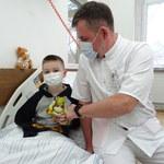 6-letni Sebastian walczy o zdrowie. W wypadku stracił mamę, tatę i siostrę