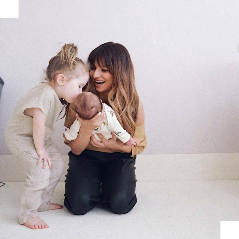 6 maja ubiegłego roku urodziła się druga córka Roberta i Anny Lewandowskich - Laura. W 2017 roku na świat przyszła Klara /Instagram/annalewandowskahpba /East News