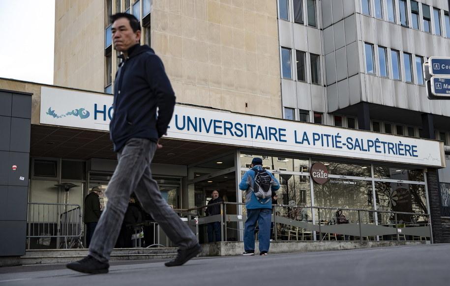 60-latek zmarł w szpitalu La Pitie-Salpetriere /IAN LANGSDON /PAP