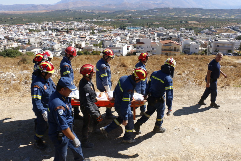 62-letni robotnik zginął po zawaleniu się sklepienia w remontowanej cerkwi św. Proroka Eliasza. /NIKOS CHALKIADAKIS /PAP/EPA