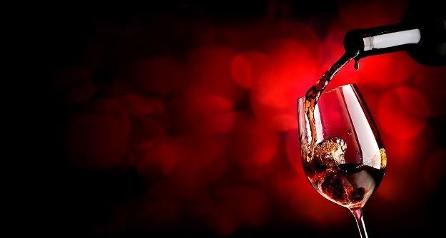 62 proc. Polaków pije wino /©123RF/PICSEL