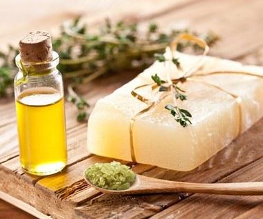 7 fantastycznych zastosowań olejku z drzewa herbacianego