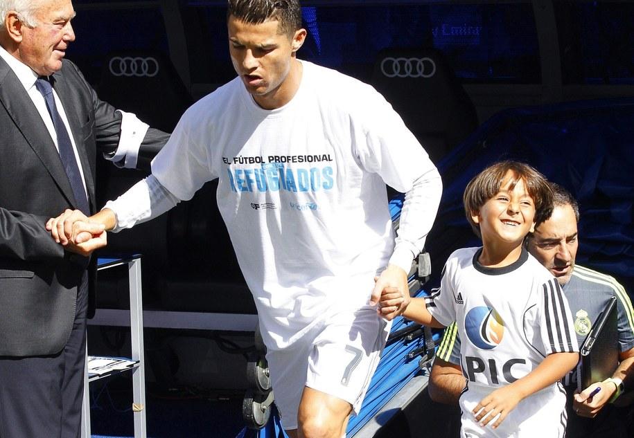 7-letni Zaid z Cristiano Ronaldo /Alberto Martin /PAP/EPA