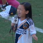 7-letnia Malea Emma śpiewa amerykański hymn i podbija sieć [WIDEO]