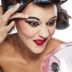 7 makijażowych błędów, które cię postarzają