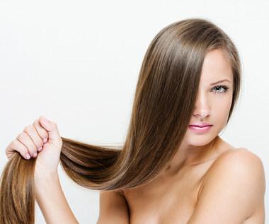 7 niesamowitych domowych kuracji dla zdrowych włosów