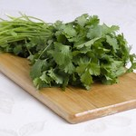 7 niesamowitych sposobów na wykorzystanie liści kolendry